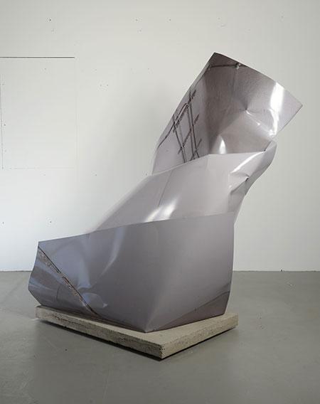 """""""corner of room"""", 201 6/2017, Tintenstrahldruck auf 3-D Folie auf Aluminium, ca. 180 x 156 x 110 cm"""