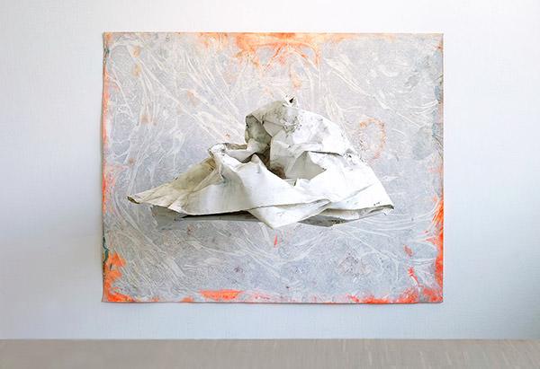 """""""Kleines kosmisches Modell"""" 2018 Eitempera auf Papier,120 x 150 cm, Faden, Objekt, 110 x 83 x 40 cm"""