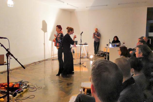 Isabel Duthoit,und Cornelia Voglmayr im Dialog